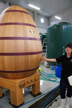 ワイン樽用貯蔵タンク(赤くフルーティーなウィスキー)