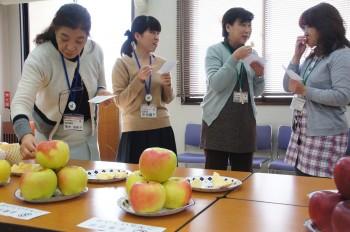 おいしいリンゴを審査
