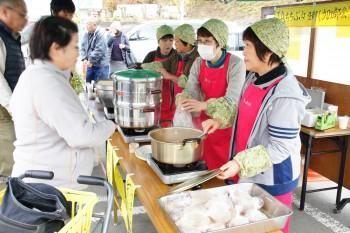 女性部加工部会がおふくろの味を販売