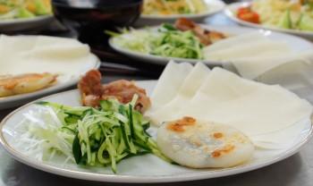「もちっこチーズ」と「塩こうじ鶏の北京ダック風」